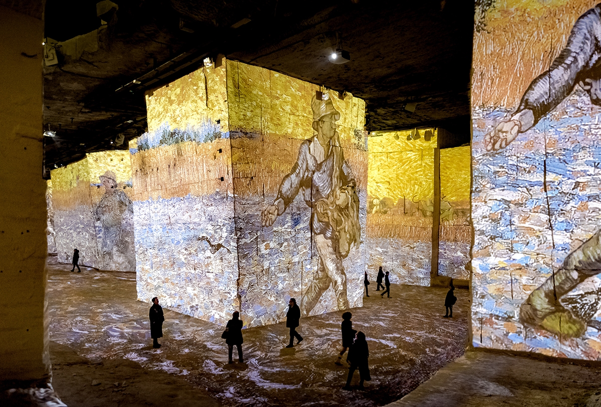 Van Gogh La Nuit Etoilee Carrieres De Lumieres Site Officiel
